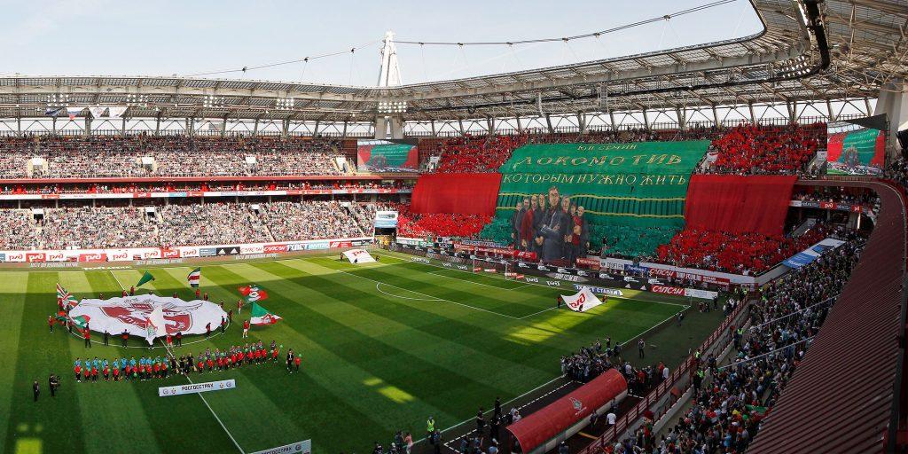 Torcida do Lokomotiv encheu a RZD Arena e empurrou o time para o título (Foto: Divulgação/Lokomotiv)